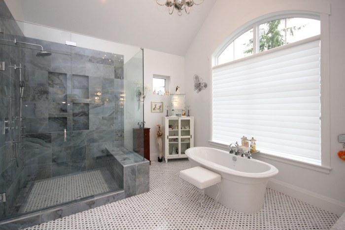 Master Bathroom - Soaker and Tile